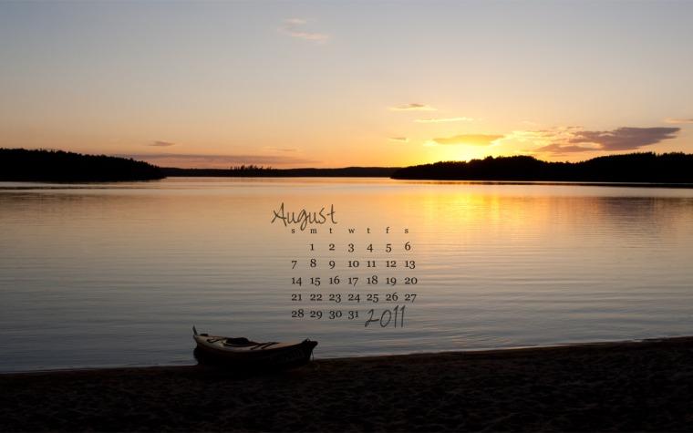 free desktop calendar august 2011